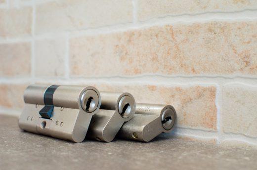 Kunden machen sich oft Sorgen über die Kosten des Türschlosswechsels!